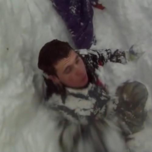 Да умреш от задушаване под снега - видео.