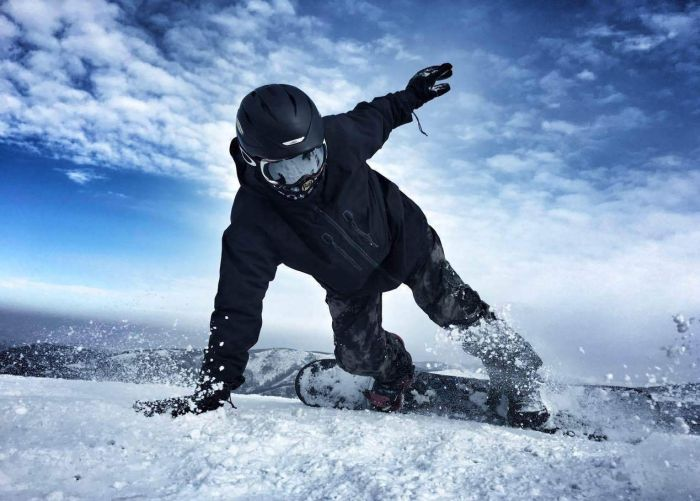 How-to-take-a-photo-while-snowboarding-1
